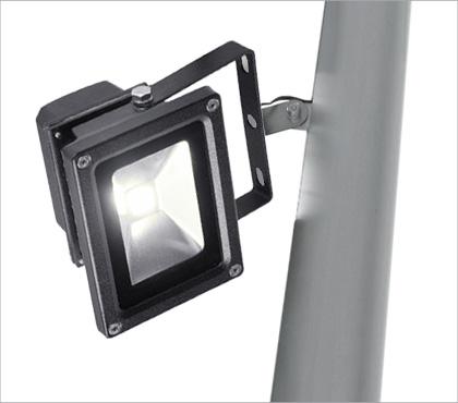 Sonnensegel Beleuchtung am Droppole Mast