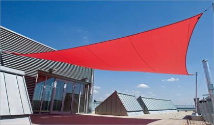 Sonnensegel Firmengebäude