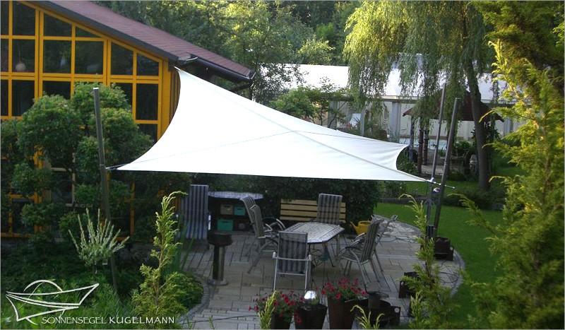 sonnensegel ansprechender uv schutz f r terrasse oder balkonsonnensegel kugelmann. Black Bedroom Furniture Sets. Home Design Ideas