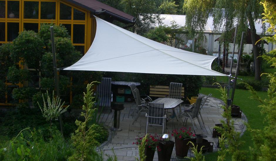 aufrollbar cool sonnensegel elektrisch bodenstedt m w i grnes sonnensegel vor einem haus with. Black Bedroom Furniture Sets. Home Design Ideas
